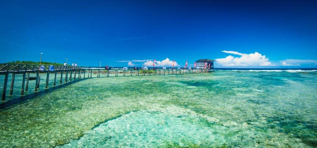 Siargao-Island-Cloud-9-Surfing-The-Boardwalk